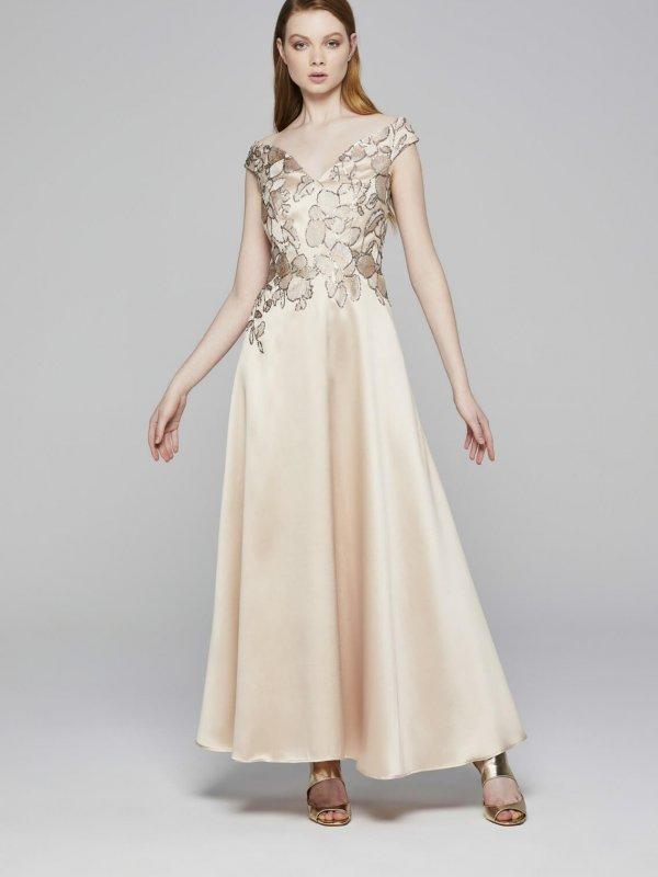 Φόρεμα maxi με ώμους έξω 1