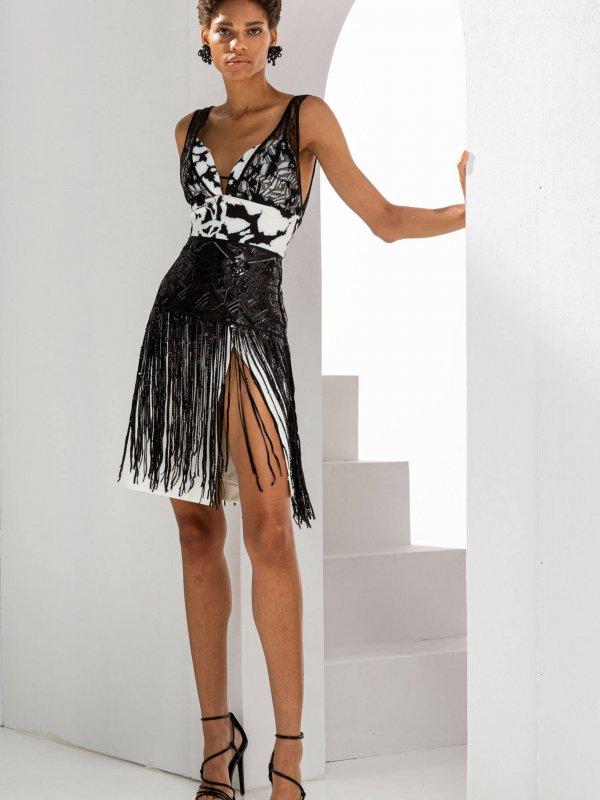 Φόρεμα με δαντέλα και κρόσσια 1