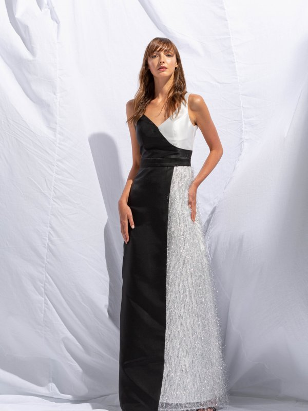 Maxi φόρεμα με V ντεκολτέ 1