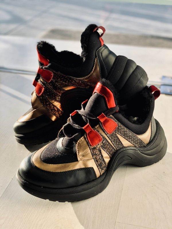 Γυναικεία Sneakers σε Συνδυασμό Υλικών & Χρωμάτων 1